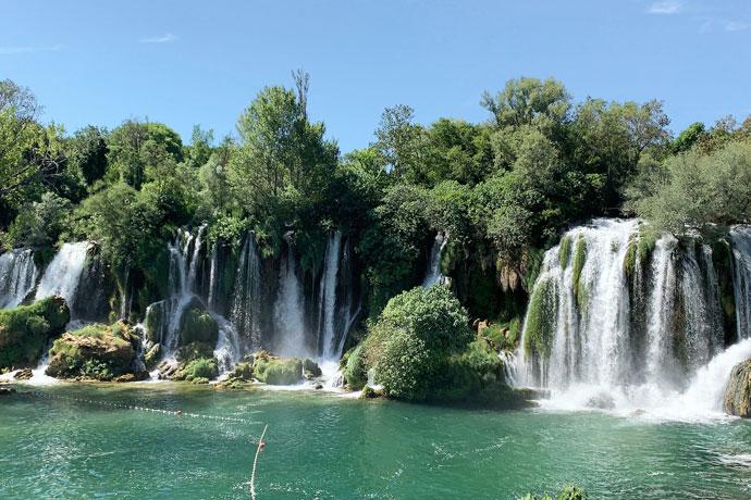 Kravica watervallen in Bosnië-Herzegovina