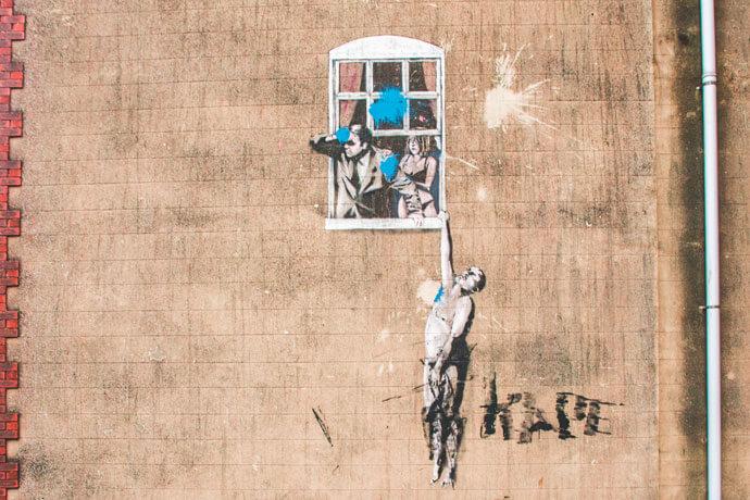 Bristol Banksy: Well hung lover