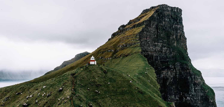 Kalsoy & Kallur vuurtoren op de Faeröer Eilanden