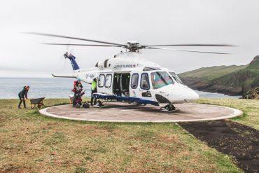 Helikoptervlucht op de Faeröer Eilanden