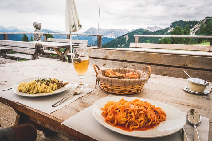 Wandelen rondom de Peitlerkofel in de Dolomieten