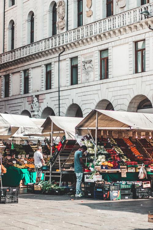 Markt in Padua, Italië