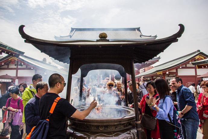 Japan: Een wens doen in de Sensoji Tempel in Tokyo