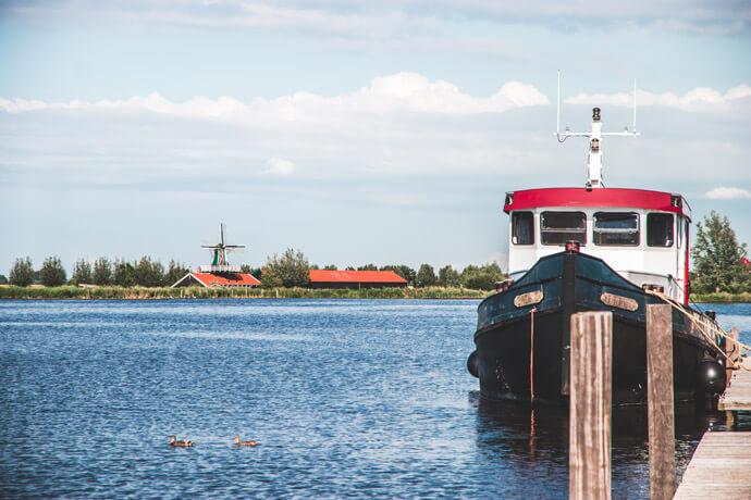 Weekendje weg op een woonbootje aan het Uitgeestermeer